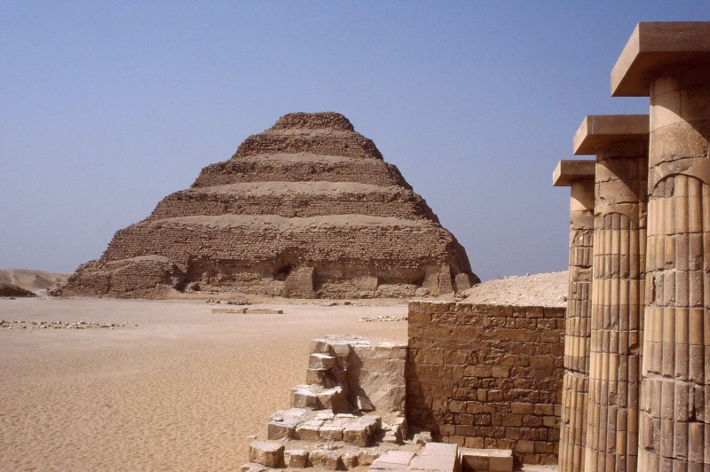 pyramids_saqqara1