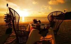 cena-romantica-en-la-playa-9062