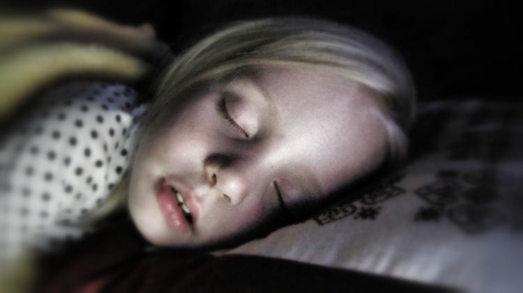 nic3b1a-durmiendo